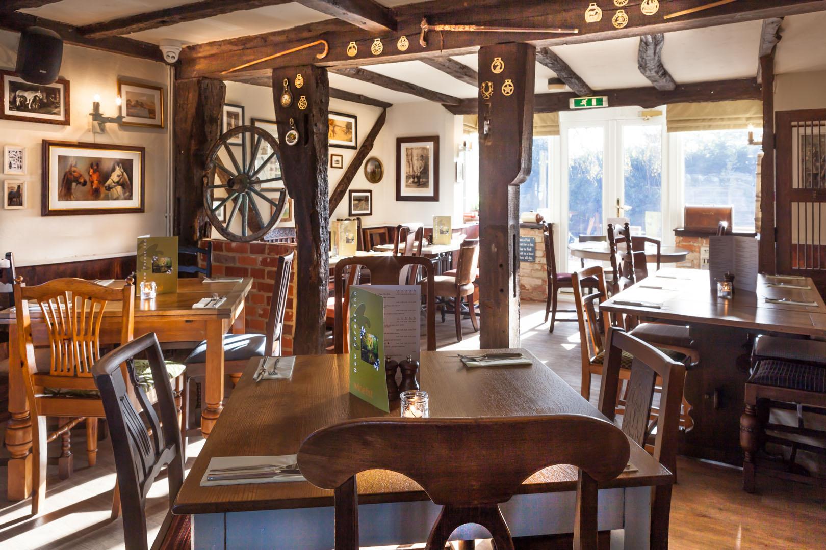 Royal-Oak-Bar-Area_